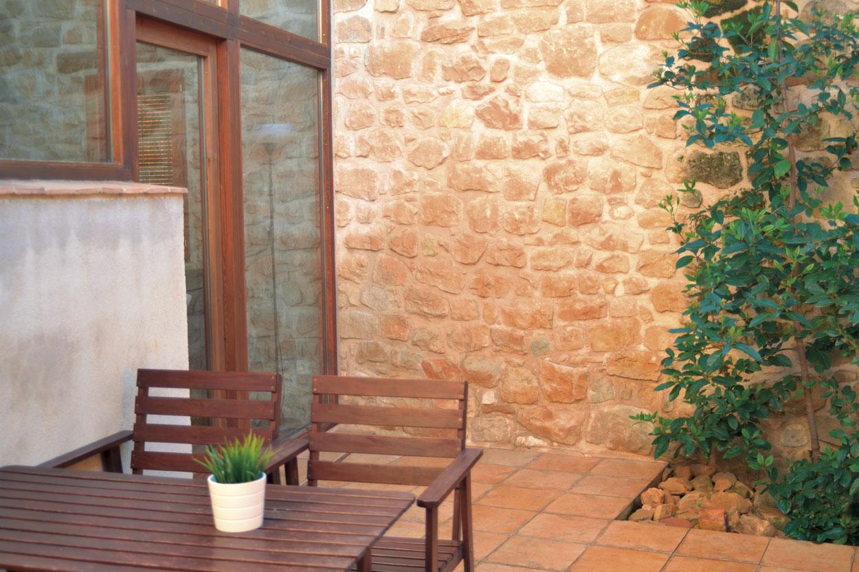 Pati de la casa rural El Paller, prop de Vall-de-roures