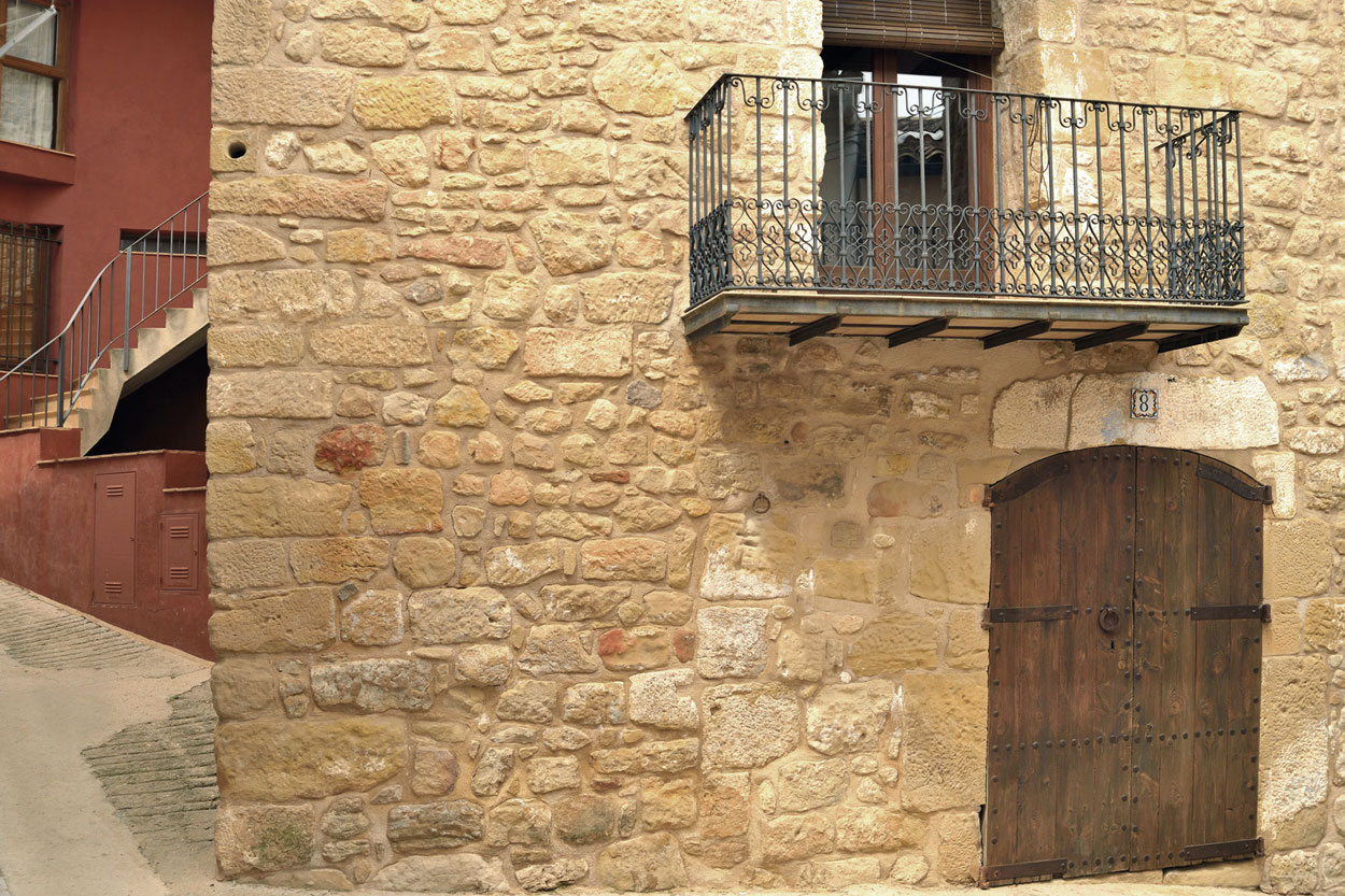 Porta d'entrada de la casa rural La Trullola