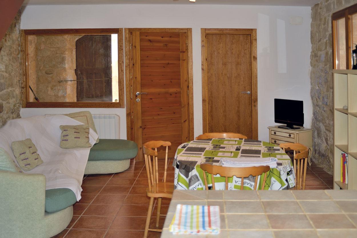 Sala menjador de la casa rural La Trullola
